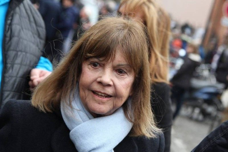 Famous French singer Chantal Goya almost left homeless