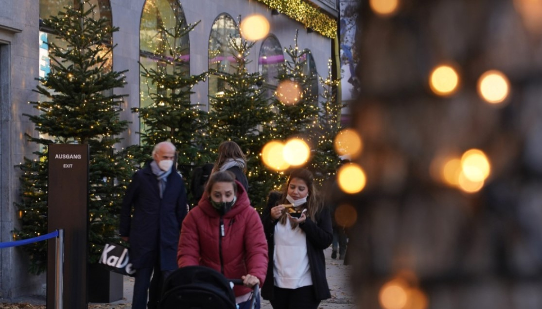 Germany plans to ease quarantine for Christmas