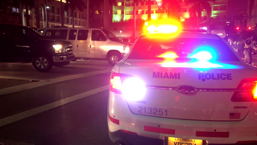 Several people opened fire in Miami. Video